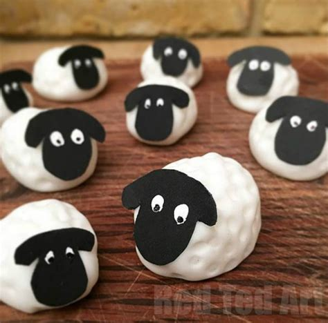 Simple Birthday Cake Decorating Ideas by Easy Fondant Sheep How To Red Ted Art S Blog