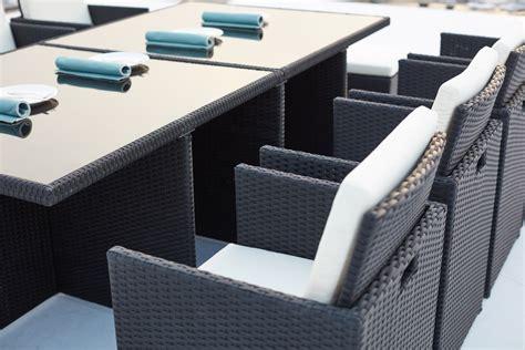 Salon de jardin encastrable 12 places en ru00e9sine tressu00e9e noir/blanc