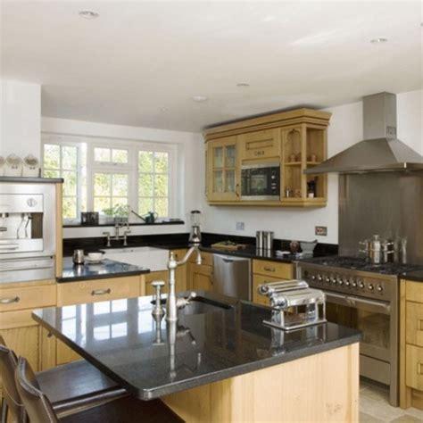 oak kitchen design ideas oak kitchen diner kitchen design decorating ideas