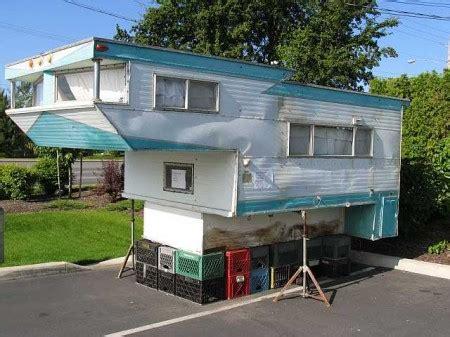 starling travel  del rey kamp king sky lounge truck camper