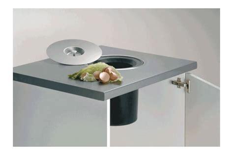 cuisine encastrer poubelle cuisine encastrable dans plan de travail