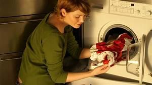 Geruch In Der Waschmaschine : waschmaschine riecht das hilft gegen l stigen geruch aus der waschmaschine bayern 1 radio ~ Watch28wear.com Haus und Dekorationen
