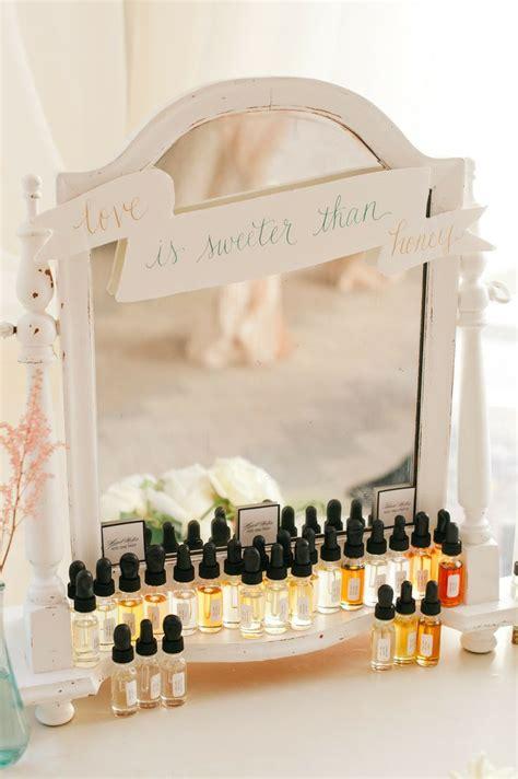 cute  easy wedding favor ideas deer pearl flowers