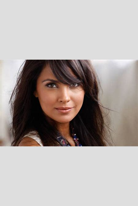 Indian Bollywood Actress Lara Dutta Close Up Face HD Wallpaper Download - Download Hd Indian ...