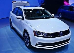 Petrol Price In India 2015 Chart Volkswagen Jetta Facelift Launched In India 2015 New