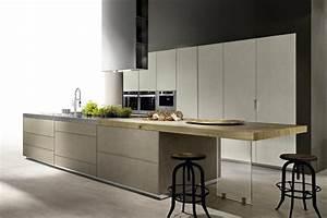 cucina ad isola in resina di cemento e piano in acciaio With cucine con isola e piano legno