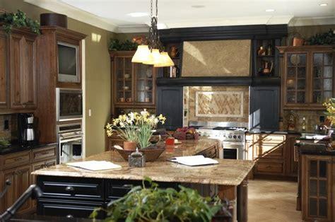 beautiful kitchens  dark kitchen cabinets