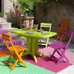 Salon De Jardin Couleur : salon de jardin grosfillex vega table 4 chaises couleur vert anis orange et fuchia ~ Teatrodelosmanantiales.com Idées de Décoration
