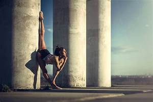 """""""Dancing Moments"""" by Dimitry Roulland • Design Father"""