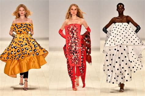 Sarah Hope Schofield designs summer 2018 fashion trends - SoNailicious