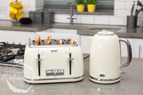 breville country kitchen testing the breville impressions 4 slice toaster and 1 7l 1781