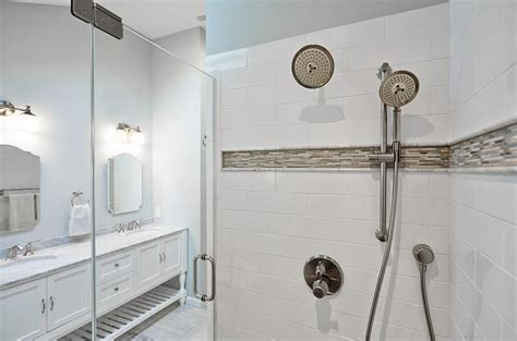 Gray Mosaic Border Shower Tiles Design Ideas