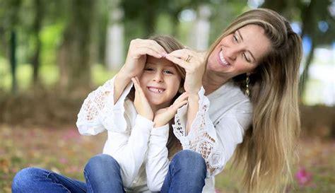 inspirasi foto keluarga ibu dan anak perempuan tanpa
