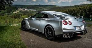 2017, nissan, gt-r, review