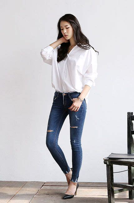 White blouse jeans black heels | My Mode | Pinterest | Simple Girl swag and Shopping