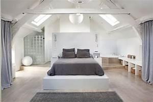 attractive chambre avec salle de bain ouverte et dressing With salle de bain design avec décoration combles aménagés
