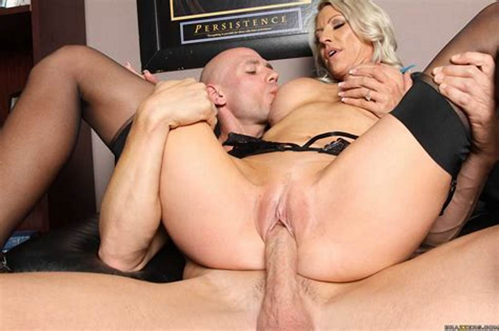 #Classy #Boss #Emma #Starr #Seducing #Her #Assistant
