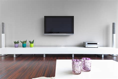 cacher les cables tv mural how to wall mount a tv tips and tricks to cut on frustration digital trends