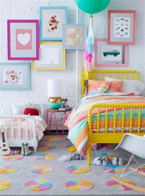 chambre fille jaune chambre fille coloree corail jaune