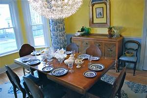 Blue Willow Dishes In Dining Room Traditional With Blue