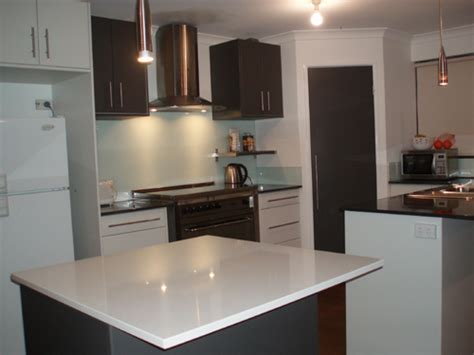 two colour kitchen cabinets homeofficedecoration two color kitchen cabinets ideas 6424