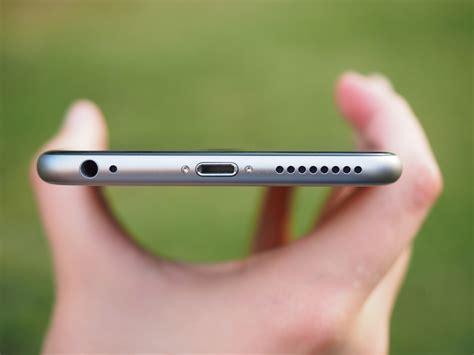 apple iphone headphone jack apple might ditch the headphone jack on the iphone 7 Apple
