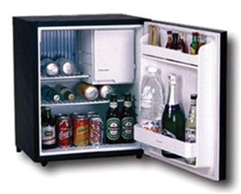 mini frigo de bureau neb petits réfrigérateurs meubles bar minibars pour le