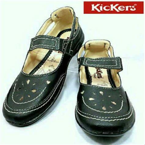 jual sendal sepatu wanita murah kickers slop grade original di lapak celebrity store celebritystore
