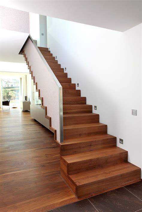 Gerade Treppe Modern by Http Www Treppenbau Schmidmayer De Treppendesign