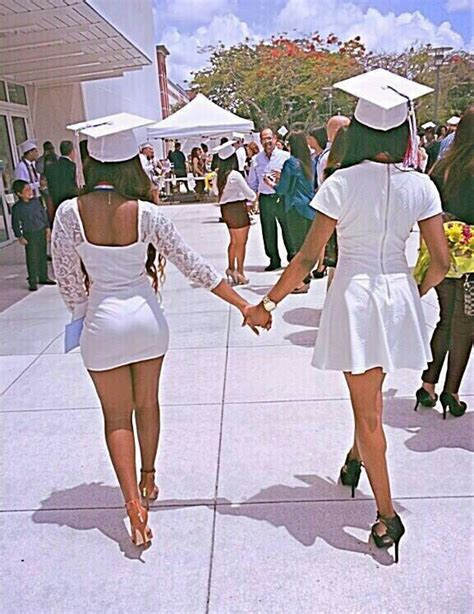 Graduation outfits | Inspiring fashion!! | Pinterest | Picture ideas Friendship photography and ...