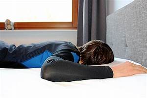 Welche Matratze Für Bauchschläfer : wie kann ich r ckenschonend schlafen 4 tipps r ckencamp ~ Eleganceandgraceweddings.com Haus und Dekorationen