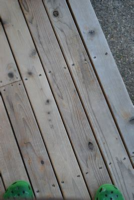 Cleaning Deck With Solution by 1000 Ideas About Deck Cleaning On Bee