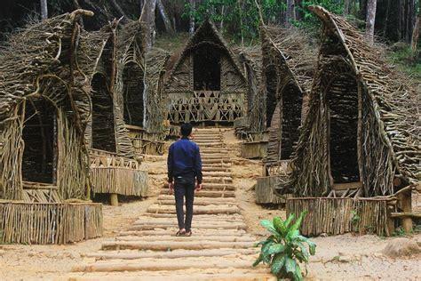 seribu batu songgo langit  kawasan hutan pinus mangunan