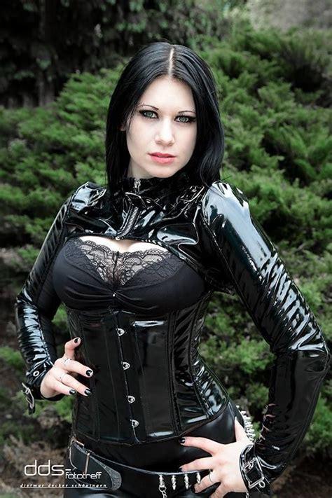 model scaredy cat gothic mode grufti kleid und gotische