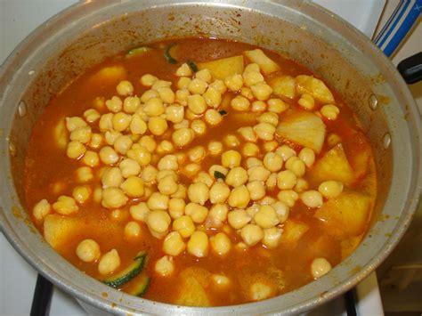 cuisine couscous traditionnel couscous traditionnel mettre dans une marmitte cuisine
