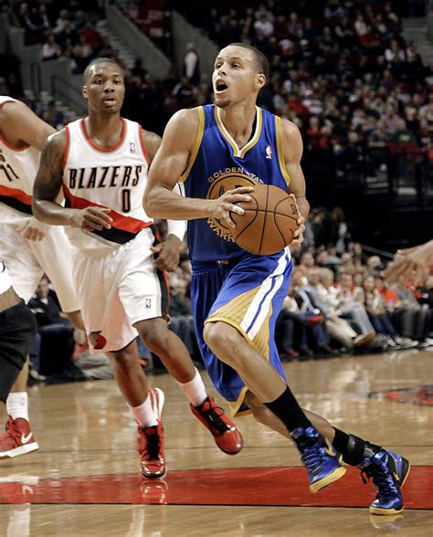 Warriors sign Curry to $44 million deal - SFGate