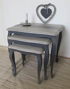 Table De Chevet Bleu : trois anciennes tables gigognes patin e les pieds sont ~ Preciouscoupons.com Idées de Décoration