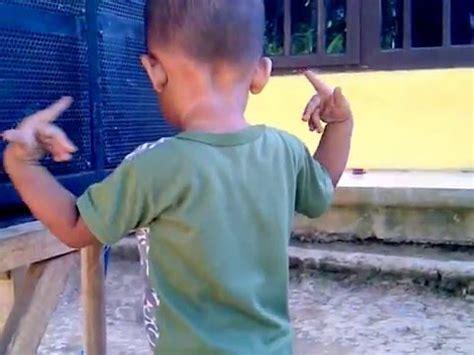 lucu seru gokil anak kecil joget keren sambil main gusti