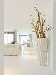 Grand Vase Blanc 1 Metre : le grand vase design 31 id es pour un look moderne ~ Teatrodelosmanantiales.com Idées de Décoration