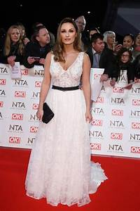 Sam Faiers sparks ENGAGEMENT rumours after flashing ring ...