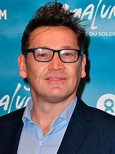 Former EastEnders star Sid Owen 'kicked off flight' after ...