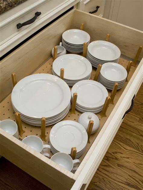 kitchen drawer plate organizer      sense  putting     cabinet
