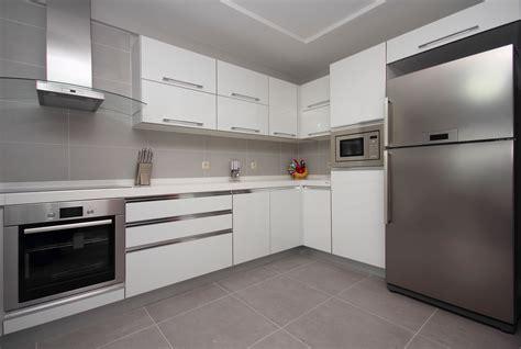 moderne küchen l form images tagged quot l form kueche quot k 252 chenliebhaber de