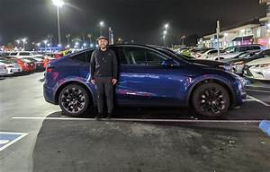 "Tesla fan's ""selfie"" with Model Y vs. Model 3 vs. Model X is the best size comparison yet"