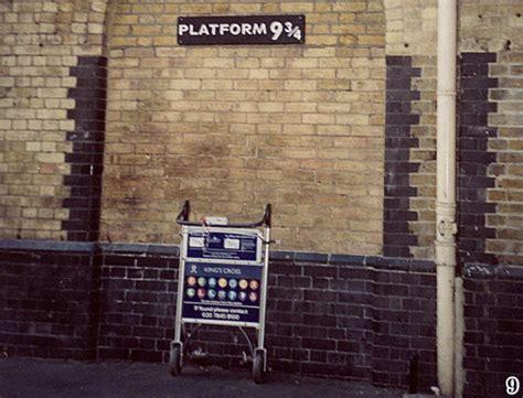 harry potter  london platform    quarters