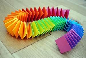Guirlande En Papier Crépon : guirlande en papier comment faire une guirlande en papier ~ Melissatoandfro.com Idées de Décoration