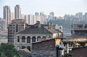 Sehr Günstige Häuser : dachterrasse zwischen wolkenkratzern in chongqing anders reisen ~ Sanjose-hotels-ca.com Haus und Dekorationen