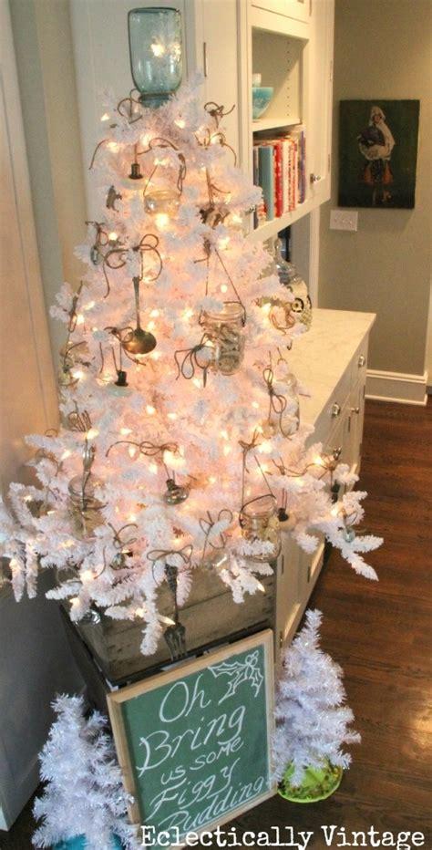 beautiful vintage christmas tree ideas digsdigs