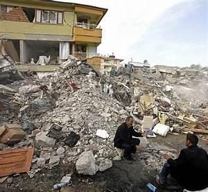Häuser In Der Türkei : van wird zu einer geisterstadt panorama badische zeitung ~ Markanthonyermac.com Haus und Dekorationen