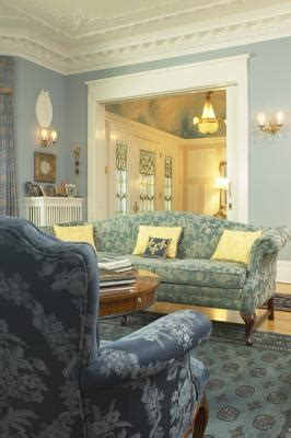 How To Arrange Furniture In A Living Room With A Door On